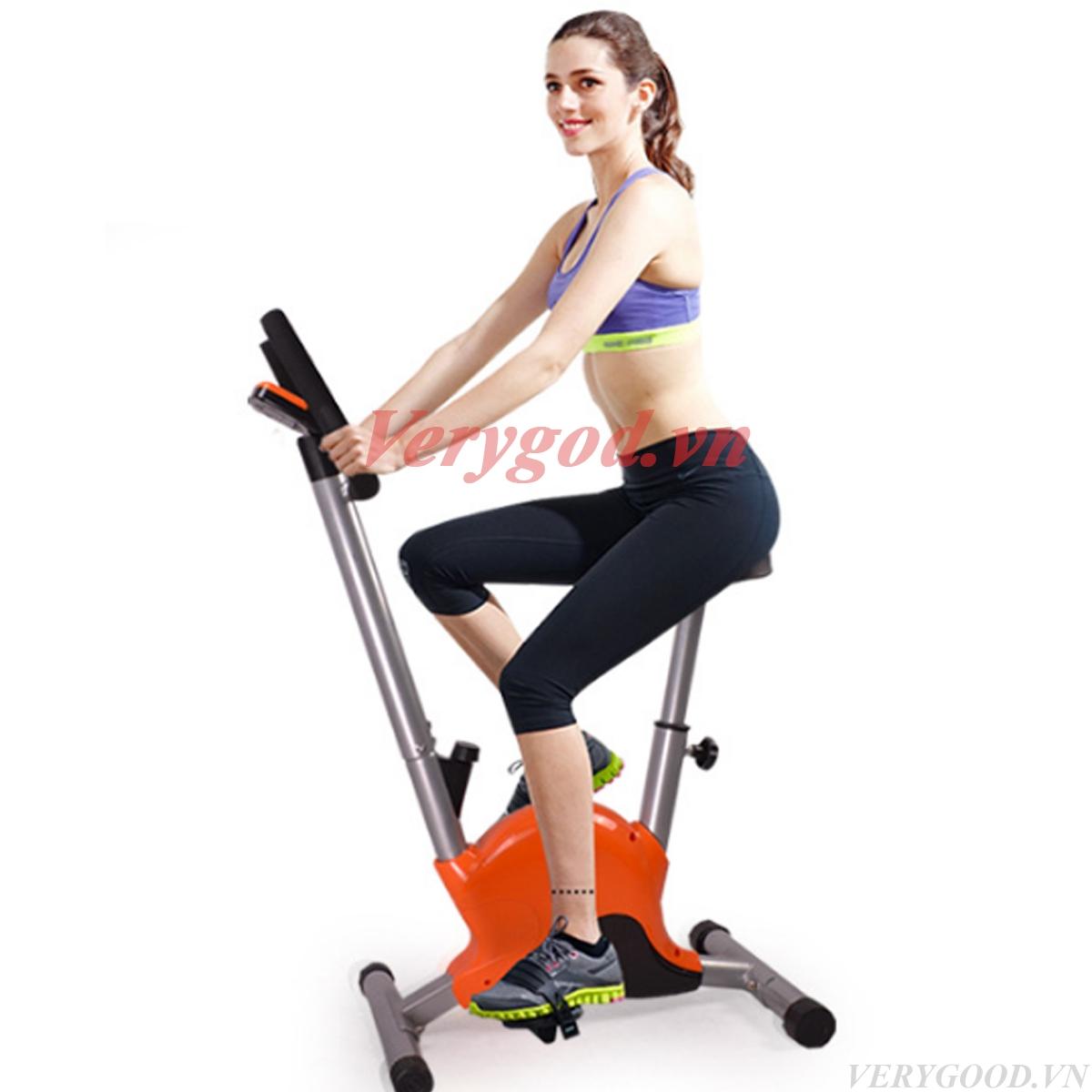Tập xe đạp tập thể dục tại nhà